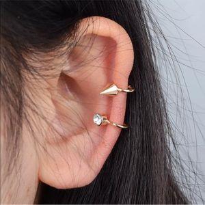 Jewelry - New!! Rhinestone and spike ear cuff in gold